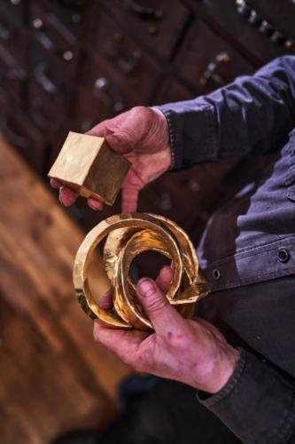 Drei Ringe aus einem Würfel schmieden